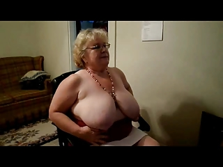 Fat Granny in a Webcam R20