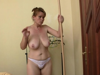 Aged donna is lured inside hammered 3some