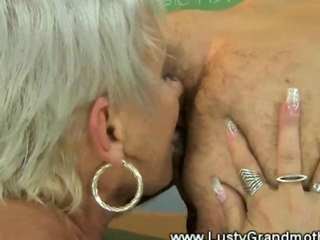 Mature granny gets cum in her mouth after pussy fucking