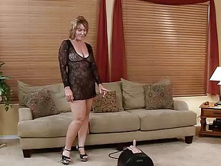 Hot Mature Rides Sybian... IT4REBORN