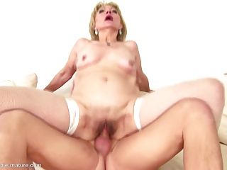 Old mom gets young cum inside her mature cunt