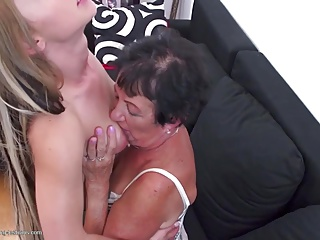 Skinny Granny needed to suck a dick