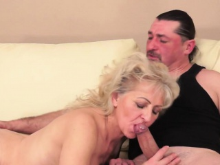 BlowJob - Hot cheating wife sucking cock